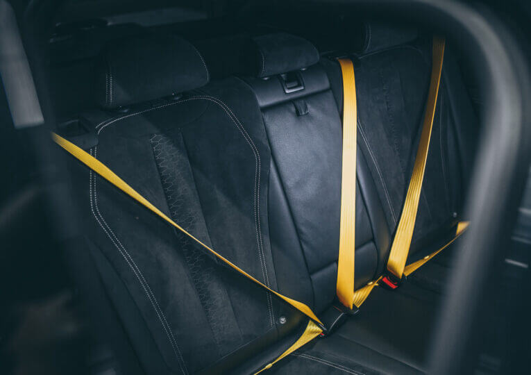 Замена ремней безопасности в авто